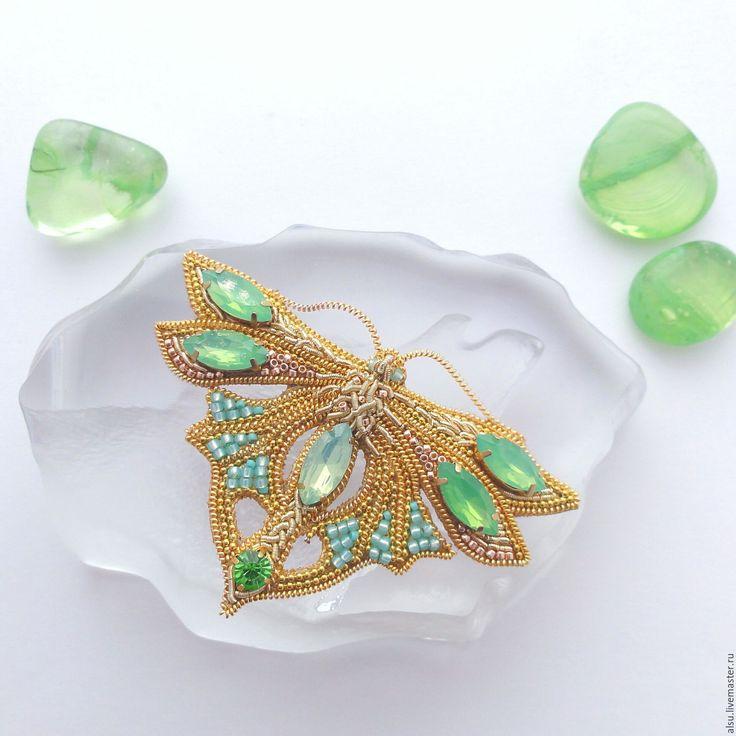 Купить Брошь-бабочка в золотом и яблочно-зеленом РЕЗЕРВ - бабочка, брошь, брошь бабочка, модерн