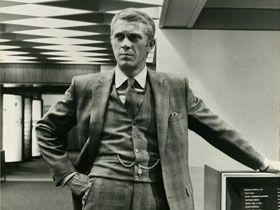 Steve McQueen dans le costume de Thomas Crown - Tirage argentique vintage | PHOTO MEMORY...A Favourite Movie...