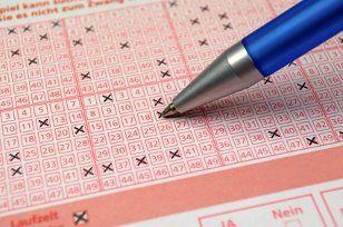 um Lottoscheine nicht zu verlieren sollte man  online spielen! Das spart einem Ärger und man wird über Gewinne benachrichtigt!