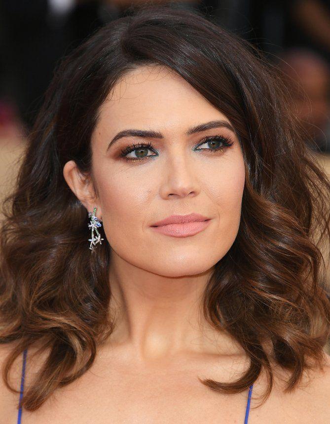 The 2018 Sag Awards Beauty Highlights - Mandy Moore's navy eyeliner