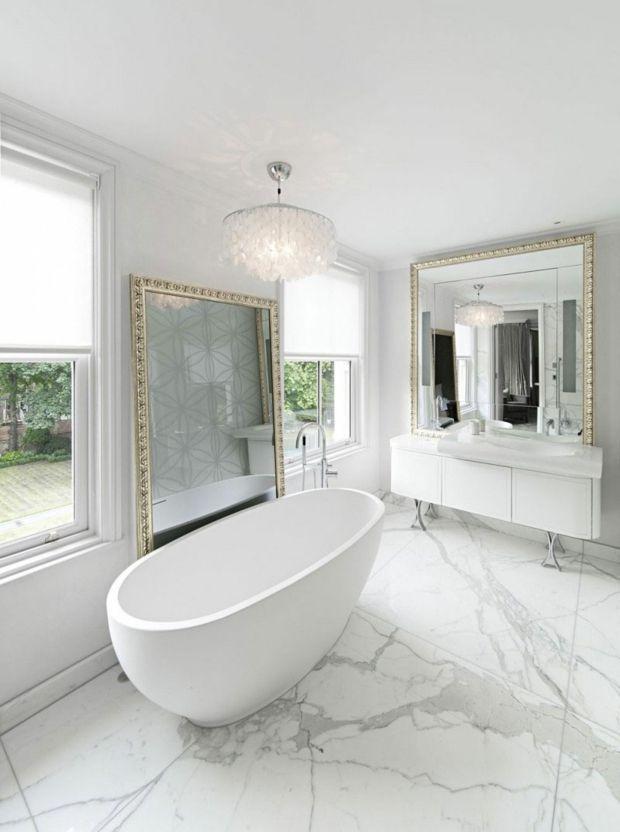 sol en marbre blanc et luminaire glamour