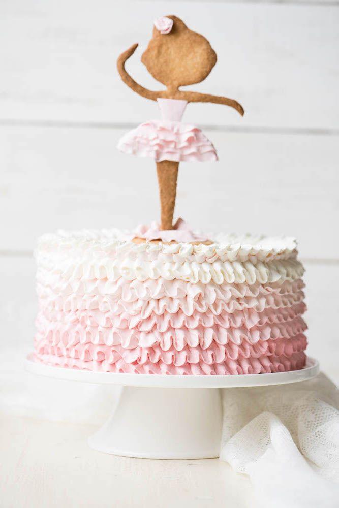 Кремовый свадебный торт Омбре с рюшами и фигуркой. Cream wedding cake with figurine, Cream wedding cake with Ombre ruffle