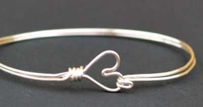 Nothing is better than a homemade jewelry gift. If you are looking for a great DIY jewelry project to make for your friends and family, then you will adore this thoughtful Heart Clasp Bangle Bracelet.