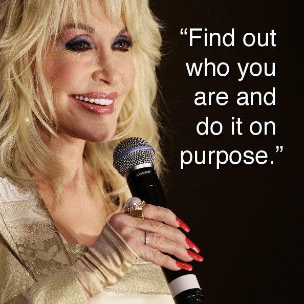 Dolly Parton has advice for college freshmen.