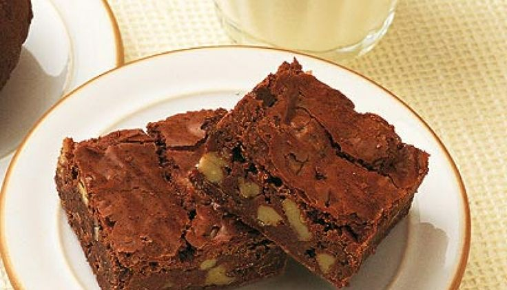 Mary Berry's best ever chocolate brownies | Homes & Property
