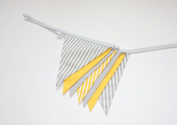 Drapeau banderoles Bunting bannière, gris et jaune, décor de pépinière, tissu Garland, banderoles Bunting bannière, jaune à pois rayures
