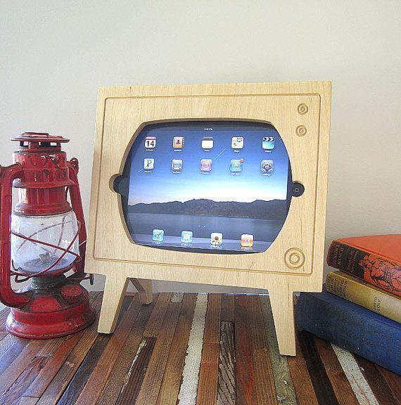 Handmade Natural Wood Ipad Dock  Retro TV van miterbox op Etsy, $60.00