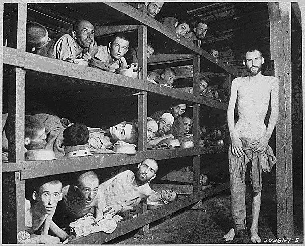 - ''Se existe um Deus, ele terá que implorar pelo meu perdão''Frase encontrada na parede da cela de um prisioneiro judeu num campo de concentração.