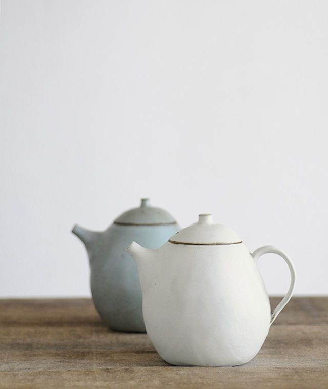 "Beautiful little teapots, photo from ""thelittlecorner"" @remainsimple.tumblr.com Would love to know the potter who did these!"