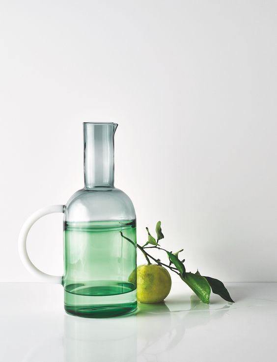 Möchten Sie eine elegante Küche, dann wählen Sie unsere Quarzstein Arbeitsplatte.   http://www.caesarstone-deutschland.com/quarzstein-arbeitsplatten-moderne-arbeitsplatten-quarzstein