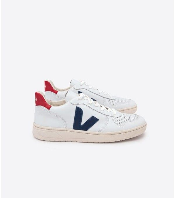 Veja Nautico sneakers for my sporty friend. #giftindie