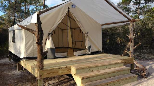 Pin by Debbie McDonald on tent homes in 2020 | Tent ...