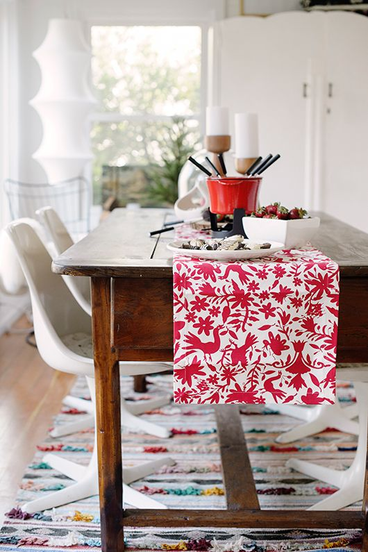 Scandinavian holiday sfgirlbybay runners for Les plus belles tables de noel