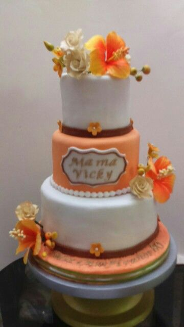 Pastel de cumpleaños tonos naranja