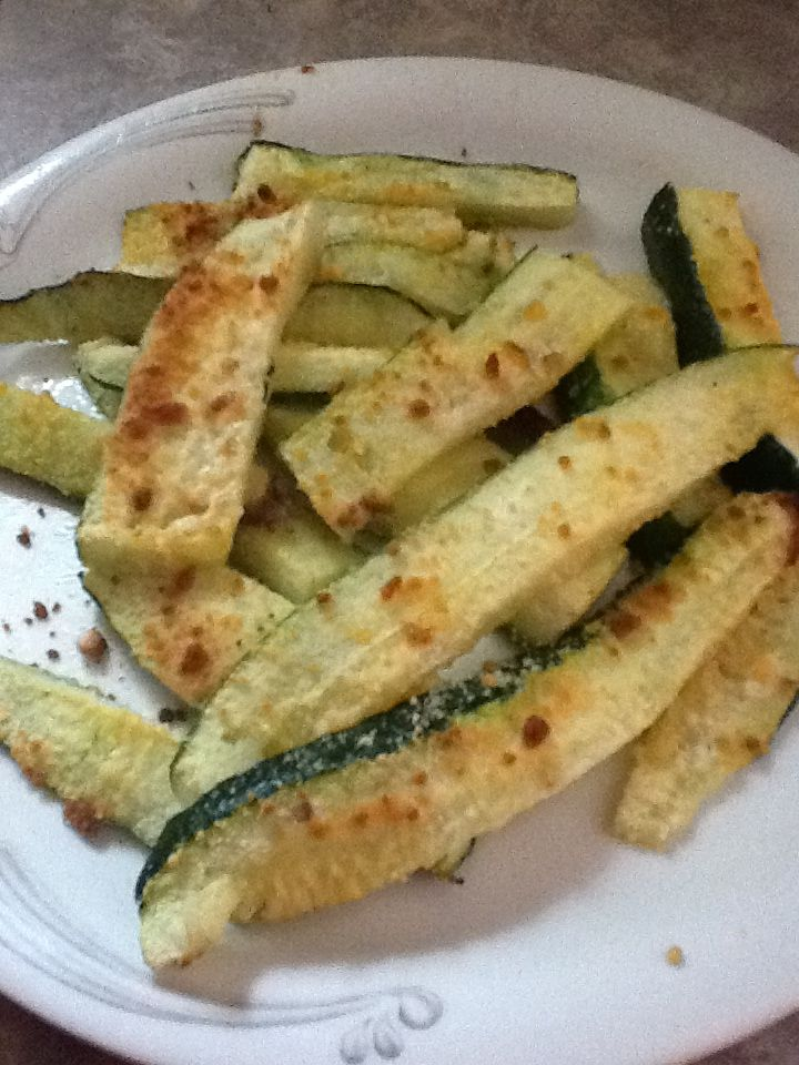 50 calorie Parmesan zucchini! Soooo good! | 5:2 diet ideas ...
