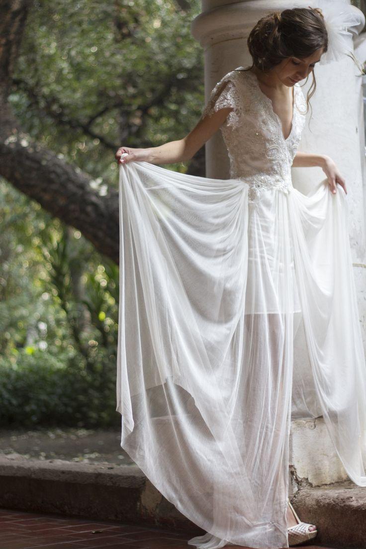 vestido de novia  tull de seda, bordado con pedreria