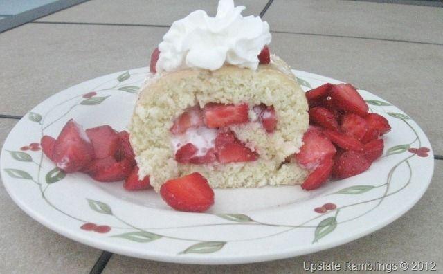Strawberry Roll Cake Japanese Recipe: 151 Best Cake Roll -Strawberry- Images On Pinterest