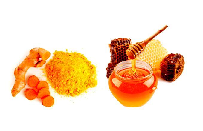 MẸO HAY LÀM ĐẸP DA SAU SINH TẠI NHÀ Hiệu Quả. Mẹo làm trắng da toàn thân với bột nghệ và mật ong - Bột nghệ trộn với 1 thìa mật ong và cho thêm vào chút bột gạo hoặc bột ngô. Thêm một chút nước sạch để tạo thành một hỗn hợp sền sệt. - Thoa hỗn hợp đều lên da.- Massage nhẹ nhàng và tắm lại với nước ấm sau 30 phút. Thực hiện 3 lần/ tuần bạn sẽ thấy bất ngờ bởi công dụng làm trắng da toàn thân của nó.