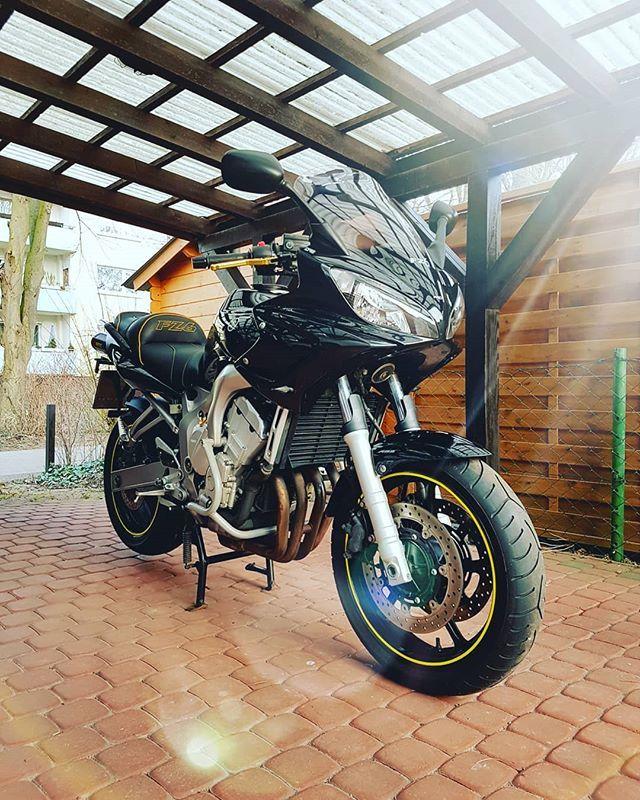 Ubrigens Dieses Schatzchen Steht Zum Verkauf Yamaha Fz6 Fazer 98ps Hu Bis 02 2020 Grosse Inspektion Frisch Akrapovic Koffer Tourer Motorrad Motorraddesign