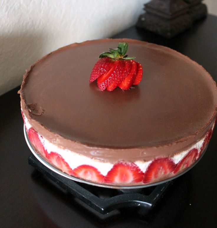 Lindt chocolate strawberry cake...oh I would love to eat this...