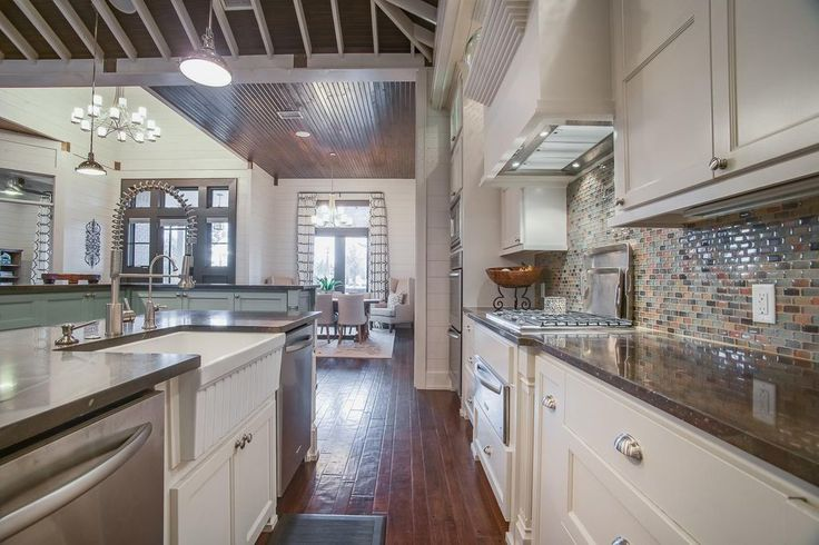 Transitional Kitchen with Ayres Blend 1x2x8mm, Dual-Apron Reversible Fireclay Kitchen Sink from the Farmhaus Collection