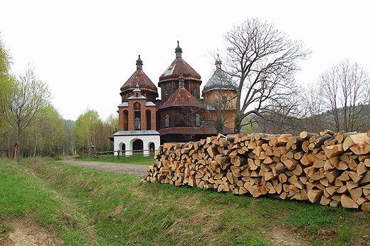 Bystre - cerkiew pod wezwaniem św. Michała Archanioła z 1902 r. Bieszczady