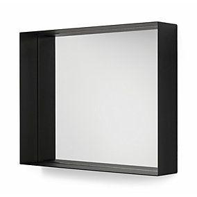 Beautiful Spiegel mit integrierter Ablage UNU ist aus Aluminium gefertigt in zwei H hen in Schwarz