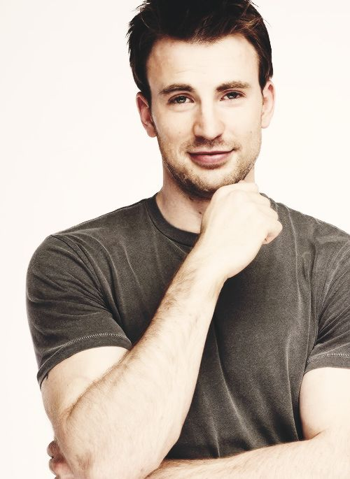 Chris Evans...Good Lord...How can someone be so cute??????????