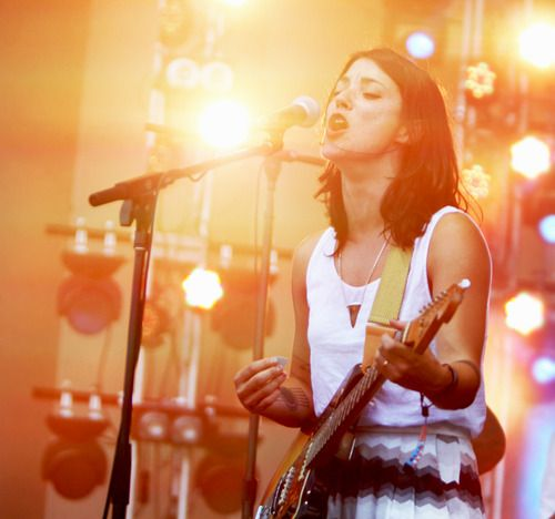 Sharon Van Etten at Lollapalooza. | Musicians | Pinterest ...