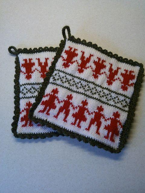 Ravelry: Scandinavian Design Mat pattern by Keiko Katayama--free knitting pattern