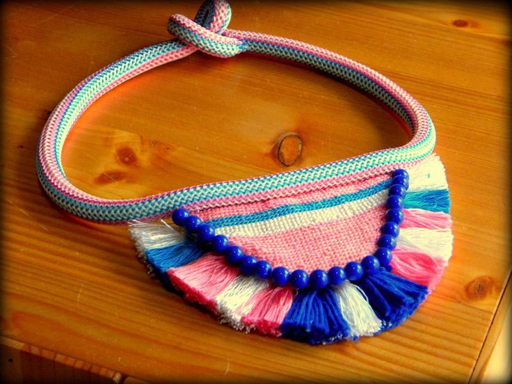 Handmade neckless with fringes