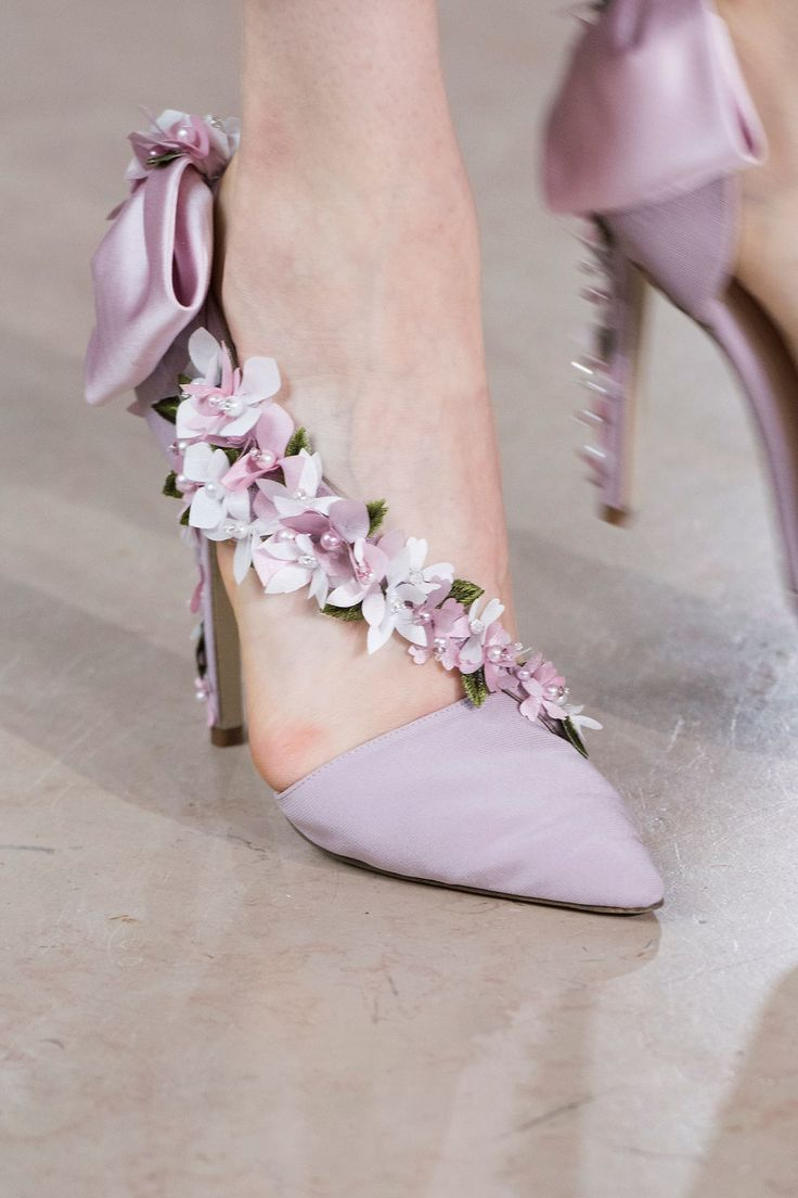 Georges Hobeika at Couture Fall 2016 - Details Runway Photos