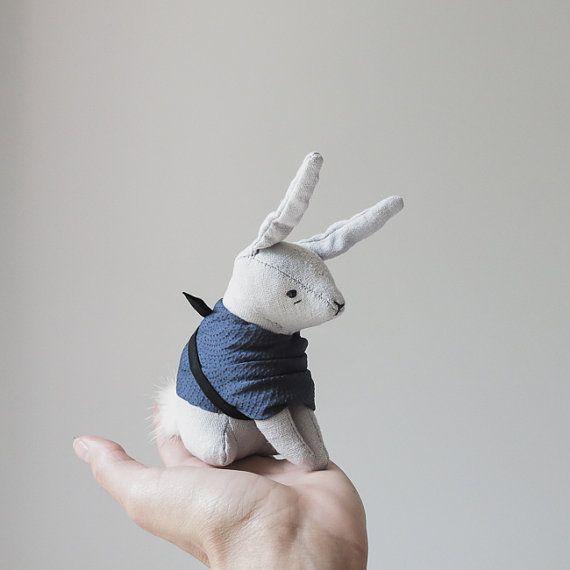 coniglio kimono / soft scultura animale di ohalbatross su Etsy, $96.00