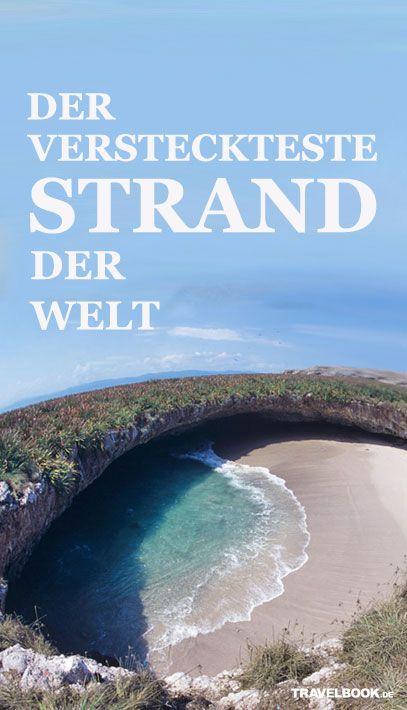 """Er liegt in einem Loch am Ende eines Tunnels auf einer unbewohnten Insel: der """"Hidden Beach of Mexico"""" (""""Der versteckte Strand von Mexiko""""). Nur wer durch den Tunnel schwimmt, kann ihn erreichen. Er wird auch """"Strand der Liebe"""" genannt – doch seine Geschichte ist überraschend unromantisch."""