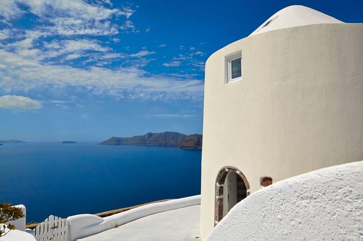 Santorini is amazing all year long... BOOK NOW at Amaya Selection of Villas for #October & #November and GET 15% OFF  #offer   #Santorini #Oia #Greece #Holidays #Luxury #Caldera  Antonis Eleftherakis Photography. All Rights Reserved.