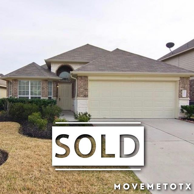 Sold Congrats To The Buyers Cheers To Our Seller On The Successful Sale Of This Springtx Home Justsold Home Realtors Buyers