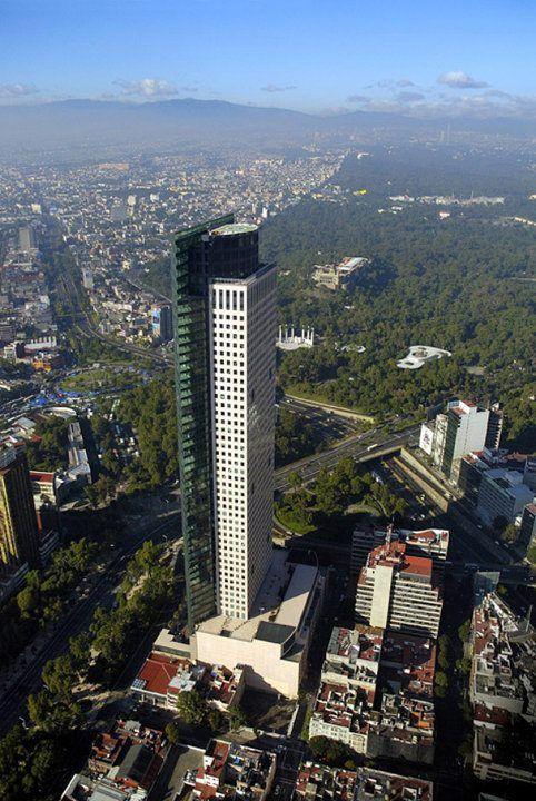 Torre Mayor, México D.F. Architect Zeidler Roberts partners. H: 225 m. Constructor Paul Reichmann