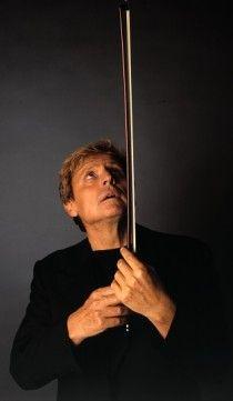 Uto Ughi nome d'arte di Bruto Diodato Emilio Ughi, (Busto Arsizio, 21 gennaio 1944), è un violinista   #TuscanyAgriturismoGiratola