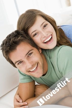 3. EDIT YOUR STATUS Update your first status to let everybody know that you have joined lovesflirt.com. Your status will be seen by all the other members on the homepage news feed. Keep updating your status every day to get people more interested in you and your activity.  http://lovesflirt.com/en/dating_tips