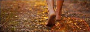chodzenie boso korzysci zdrowotne