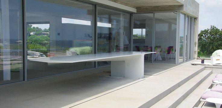 Ramatuelle - Concrete outdoor table