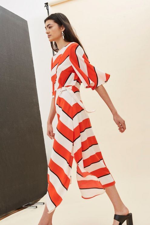 9d89e0a4890 Graphic print dresses are so fun for summer! Love this Diagonal Stripe Midi  Dress.