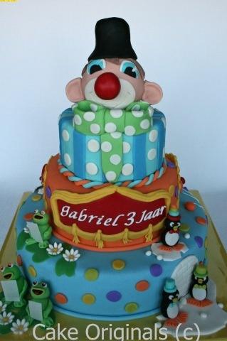 carnaval festival taart!!! die maak ik voor gerbens verjaardag!!!!