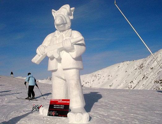 Snow Alf with rifle: Snow Alf