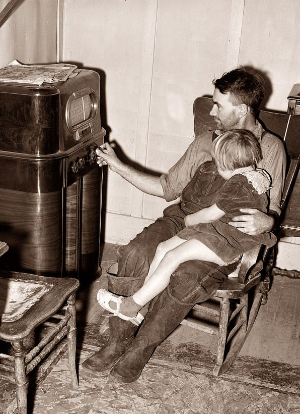 ( - p.mc.n.) Father and daughter listening to the radio, 1940s. I remember my grandfather doing this and falling asleep.