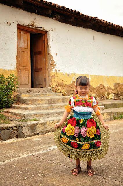 Nina de Ocumicho #mexico