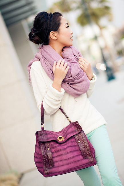 love the color combo!Colors Combos, Chan Luu, Design Handbags, Purple Bags, Outfit, Big Scarves, Pastel Colors, Mint Jeans, Silk Scarves