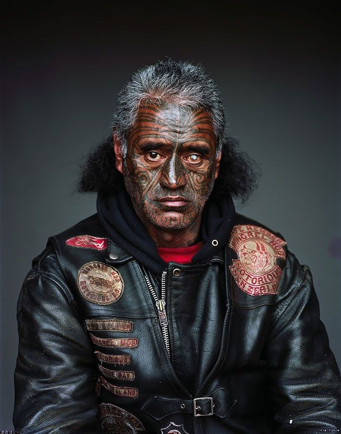 Portraits des membres d'un gang de Nouvelle Zélande par Jono Rotman - http://www.2tout2rien.fr/portraits-des-membres-dun-gang-de-nouvelle-zelande-par-jono-rotman/