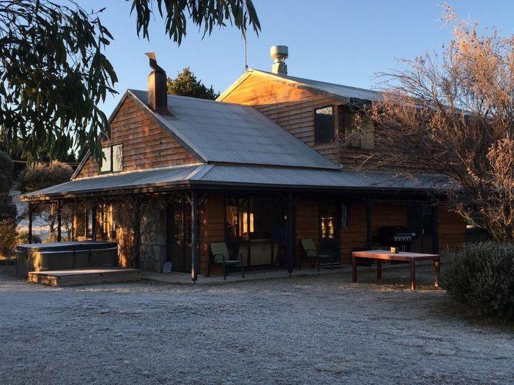 Eagles Range Homestead, a Jindabyne House | Stayz