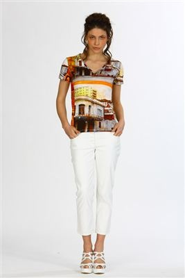 Tee-shirt inspired by an Ayline Olukman's painting - photo: JL PETIT